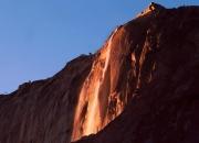 ognennjy-vodopad-jyosemutu
